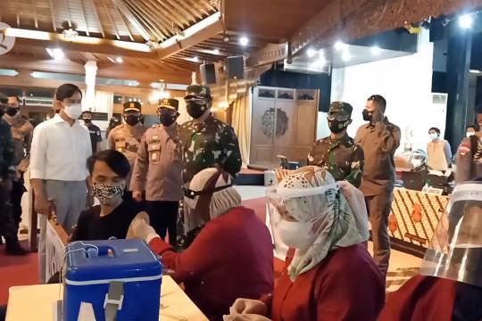Panglima TNI ingin mobilitas masyarakat ditekan 50%