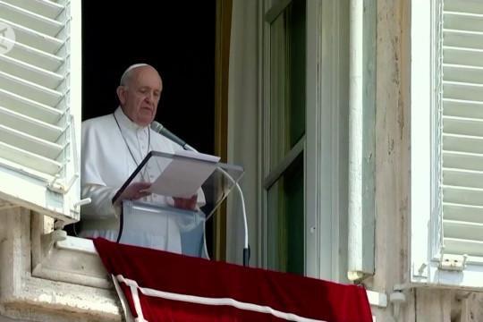 Paus Fransiskus dalam kondisi baik usai operasi usus