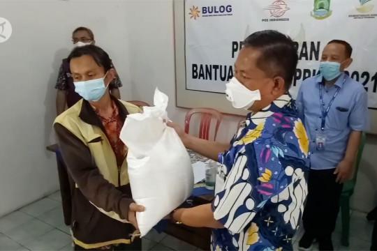 Pemkot Tangerang salurkan bantuan beras ke 203.000 KK
