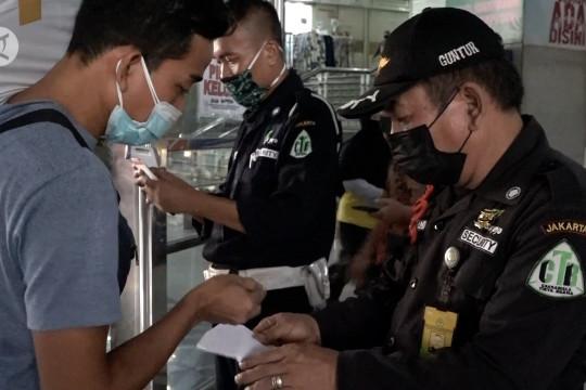 Pengunjung Pasar Tanah Abang wajib tunjukkan kartu vaksin