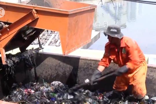 Peran serta kewirausahaan sosial terhadap permasalahan sampah Jakarta