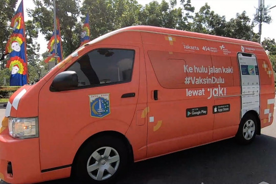 Gubernur DKI lepas 16 mobil vaksinasi COVID-19 keliling