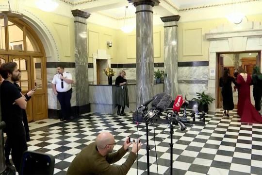 Konferensi pers yang tertunda acara pernikahan di Gedung Parlemen Selandia Baru