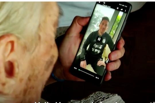 Superfan berusia 100 tahun mencatat setiap gol Messi