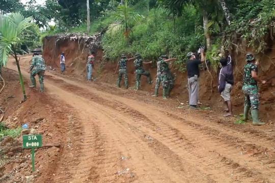 TMMD ke-111 buka jalan di desa terpencil Aceh Tenggara