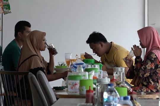 UMKM kuliner dan masyarakat Medan diimbau ketat prokes