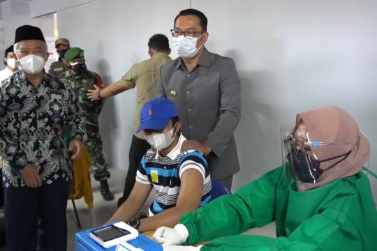 Ridwan Kamil: Vaksinasi turunkan angka kematian