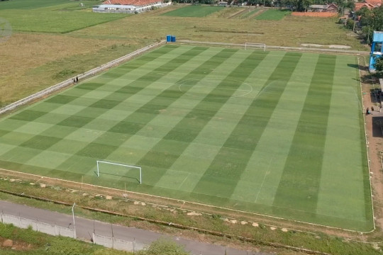 Desa di Pekalongan ubah lahan tidak produktif jadi lapangan bola standar FIFA