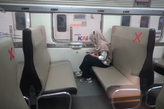Meski merugi, PT KAI berhasil tekan mobilitas warga