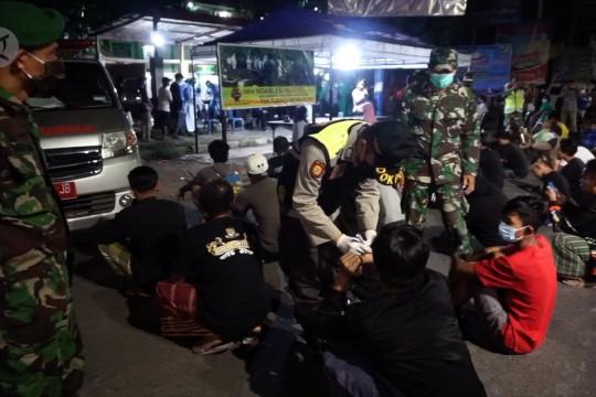 Razia PPKM Darurat temukan 17 warga Pekalongan positif