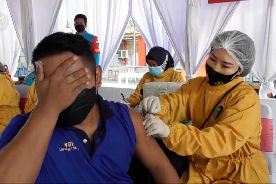 Ribuan warga binaan lapas di Jateng jalani vaksinasi COVID-19