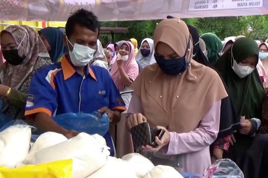 Warga serbu pasar murah jelang Idhul Adha