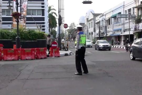 Buka tutup jalan dan operasi yustisi efektif turunkan mobilitas warga