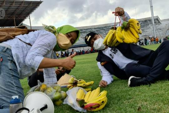 Cara warga Surabaya saling bantu di masa pandemi
