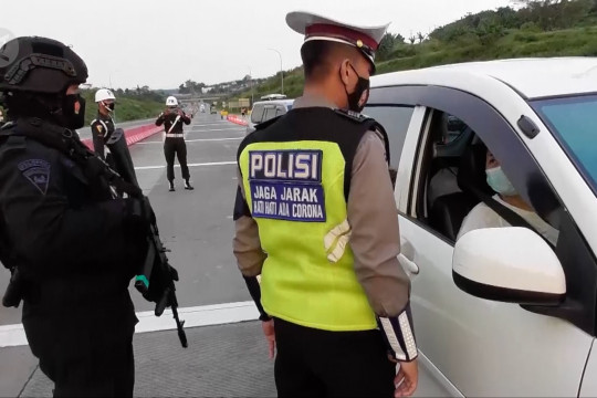 Polda Jateng perpanjang masa penutupan pintu tol