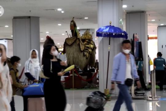 Jumlah kedatangan & kepergian di Bandara Ngurah Rai turun  85%
