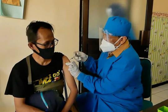 Dispernaker Temanggung harap vaksinasi bagi buruh pabrik diprioritaskan