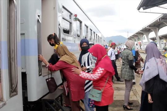 Pengguna kereta api di Sumbar turun di masa libur sekolah