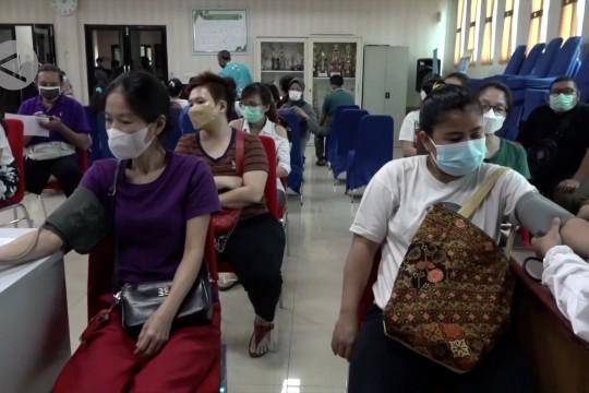 Anies targetkan vaksinasi 1.000 orang di setiap kelurahan