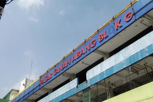 Pasar Tanah Abang tutup, omzet pedagang Blok G anjlok