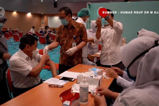 RSUP M Djamil Padang vaksinasi dosis ketiga untuk nakes