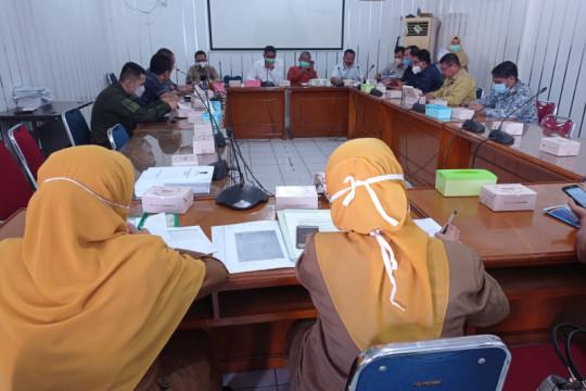 DPRD dan Pemkot Padang rapat dengar pendapat terkait mutasi 23 nakes