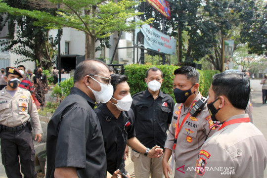 Alumni Akpol 91 bagikan 1500 paket bansos di Jakarta Timur