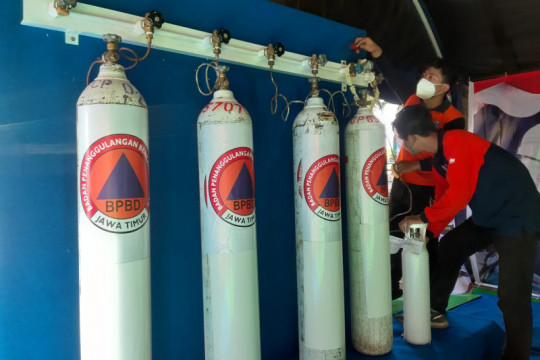 Pemprov Jatim dirikan pusat pengisian oksigen gratis di Gresik