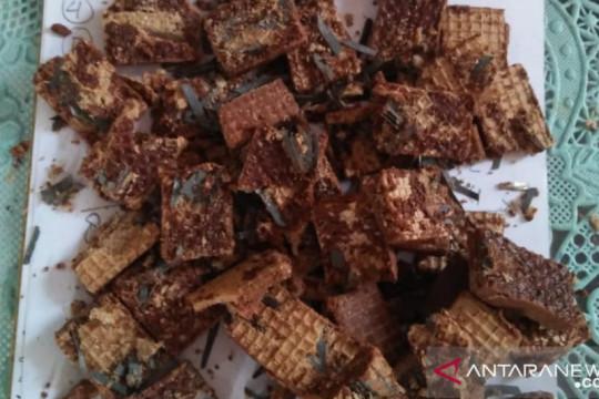 Polisi selidiki pemberi makanan ringan berisi benda tajam di Jember