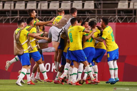 Brazil melaju ke final seusai menang atas Meksiko lewat adu penalti