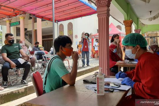 Lapangan masjid di Tebet jadi lokasi vaksinasi massal