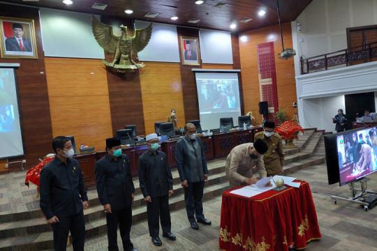 Pemprov dan DPRD Sumbar sepakati tiga peraturan daerah