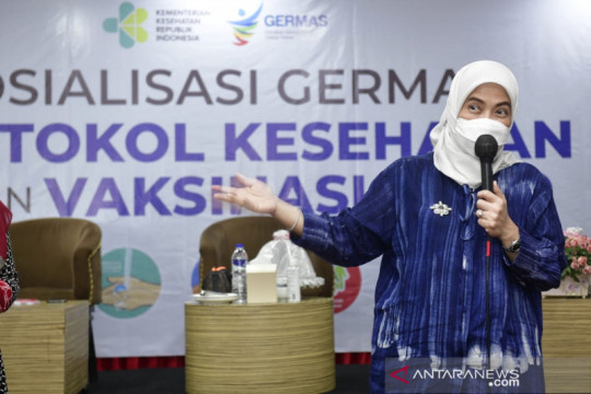 Anggota DPR RI minta masyarakat awasi vaksinasi booster