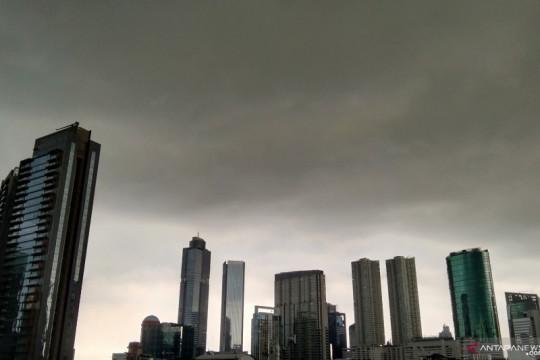 BMKG perkirakan hujan disertai petir terjadi di Jaksel dan Jaktim