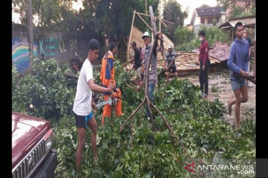 Sebanyak 152 jiwa terdampak angin kencang di Kota Cimahi