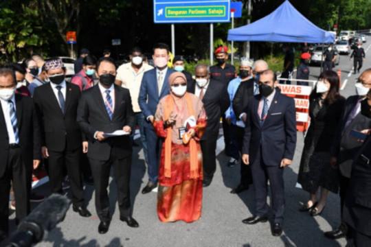 Senator dukung Raja Malaysia desak parlemen bersidang