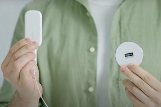 realme luncurkan MagDart Charger dan ponsel Flash