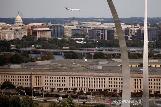 Polisi tewas dalam insiden di depan Pentagon
