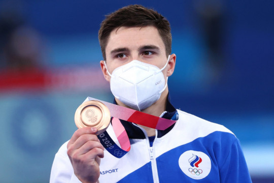 Pesenam Rusia rebut tiga medali Olimpiade sambil melawan batu ginjal
