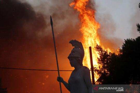 Kebakaran landa Athena, Yunani