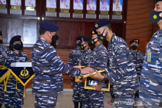 Ribuan prajurit terima tunjangan dan pinjaman rumah dari TNI AL