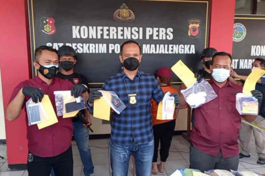 Polisi tangkap dua mucikari prostitusi daring di Majalengka