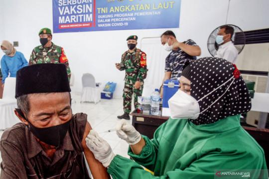 Serbuan vaksin TNI Angkatan Laut di Bogor