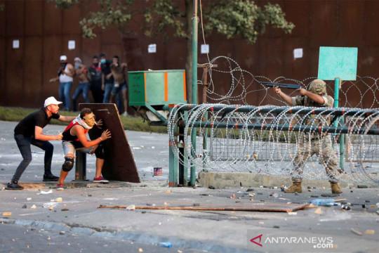Bentrok peringatan setahun ledakan pelabuhan Beirut