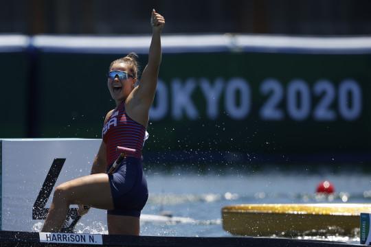 Hungaria dan AS sabet emas kano 200m putra dan putri