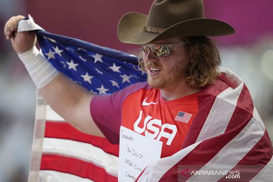 Tiga kali cetak rekor Olimpiade, Ryan Crouser rebut emas tolak peluru