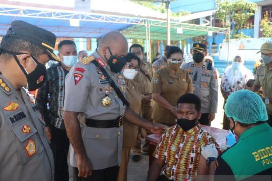 Polda Papua edukasi warga tentang vaksin COVID-19 melalui pelajar