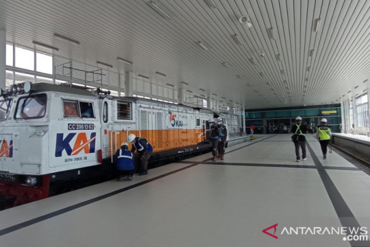 Pekerjaan Peron Stasiun Kereta Api Bandara YIA capai 96 persen