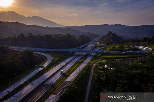 Presiden Jokowi perintahkan infrastruktur gunakan produk dalam negeri
