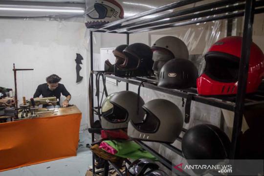 Tingkatkan penjualan dalam negeri, produsen helm custom Trooper urus SNI